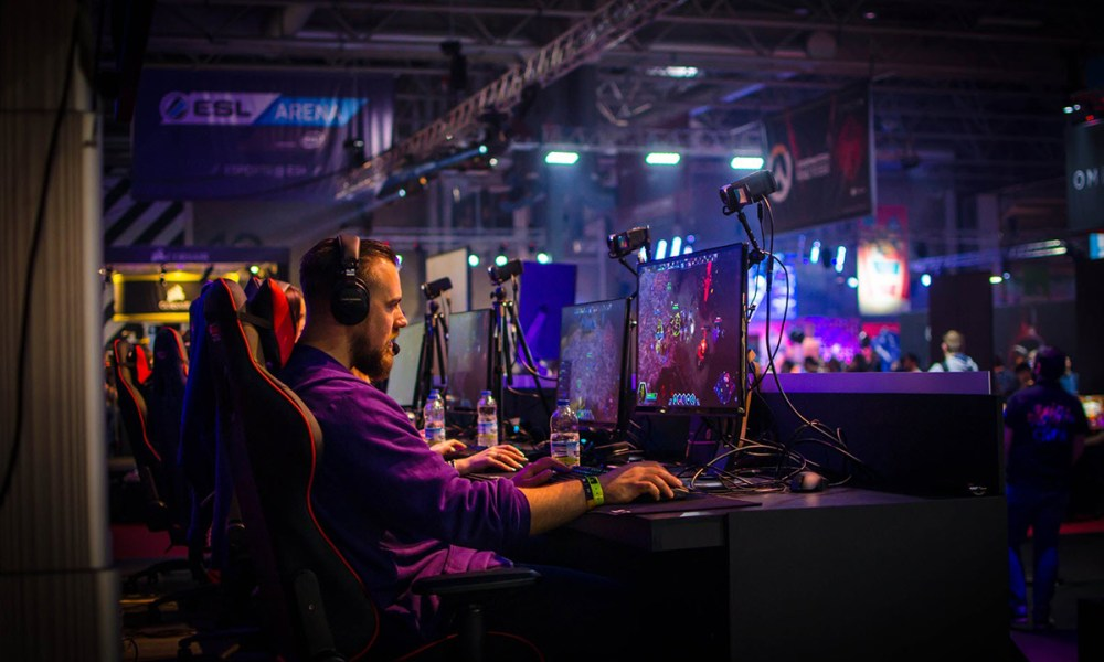 UK's CAP Issues Advice Notice to eSports Gambling Operators