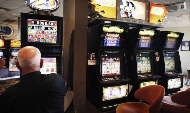 COVID-19 kehilangan mesin poker hingga $ 1,5b | The Canberra Times