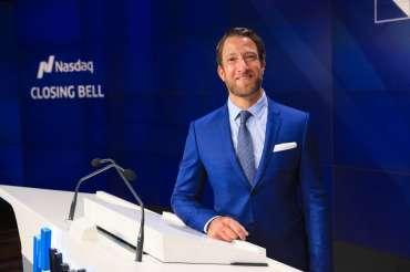 Pendiri Barstool Sports beralih dari perjudian ke perdagangan harian selama coronavirus - dan dia bilang dia turun $ 647.000, Business Insider