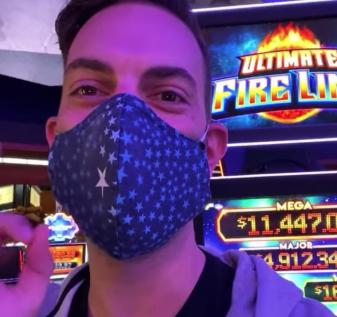 'Kami di sini, tinggal di Idaho': Pertaruhan terkenal YouTuber mengalirkan pengalaman di Kasino CdA yang dibuka kembali
