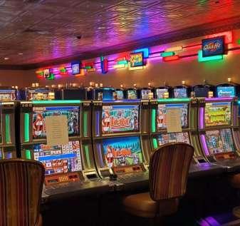 'Saya perlu menghilangkan rasa bosan': Penjudi kembali ke kasino New Orleans di bawah batasan baru | Virus corona