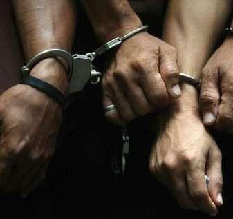 8 tertangkap karena judi | Philstar.com
