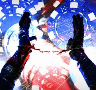 Tangan Diborgol Dengan Chip Kasino dan Latar Belakang Rolet
