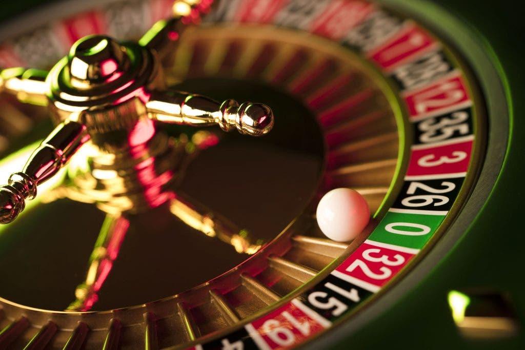 Covid-19 dapat memicu lebih banyak pecandu judi karena orang mencari 'perbaikan cepat' finansial - All 4 Women
