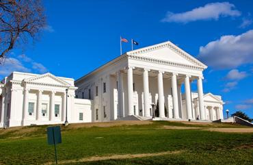 Hukum Virginia baru tentang senjata, perjudian, patung, kepemilikan ganja mulai 1 Juli   Berita utama