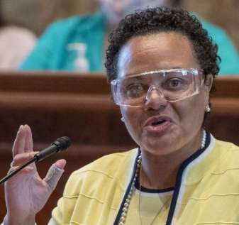 Karen Carter Peterson diam-diam merekayasa permainan kekuasaan untuk menggulingkan ketua dewan judi | Badan legislatif