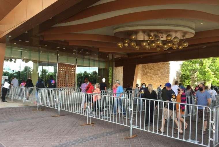 Kasino di pusat kota St. Louis dan St. Charles dibuka kembali. Dan penjudi yang setia kembali | Berita