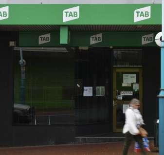 Penutupan agen Burnie TAB saat perjudian online meningkat   Pengacara