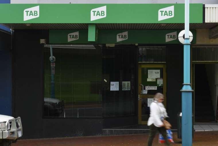 Penutupan agen Burnie TAB saat perjudian online meningkat | Pengacara