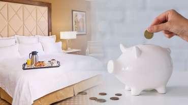 Gambar Kamar Hotel Di sebelah Hand Puting Coins di Celengan