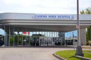 JOHANNA WOLFERT: Berjudi memangsa orang miskin; manfaatkan kembali sebelum kasino dibuka kembali   Perspektif Lokal   Pendapat