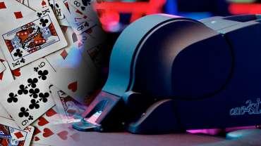 Mesin Pengocok Kontinu Dengan Latar Belakang Kasino