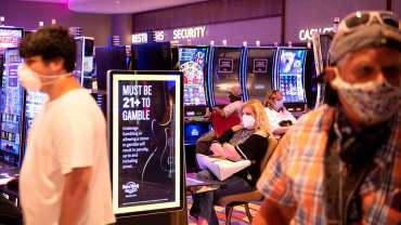 Ketika kasino Atlantic City dibuka kembali, para penjudi mengusir ketakutan
