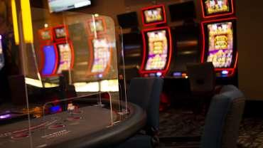 Para ahli mengatakan kasino berisiko tinggi di tengah lonjakan COVID-19 Arizona, tetapi kasino tetap terbuka