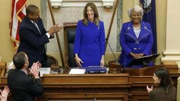 TONTON SEKARANG: Undang-undang Virginia yang berlaku Rabu mempengaruhi senjata, pemilihan, judi, patung, dan banyak lagi   Virginia