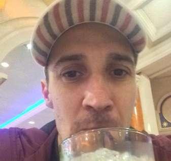 Glyn Rothwell, 36, dalam foto, mencuri £ 380.000 dari perusahaan utang Harrington Brooks setelah dia terlibat dalam 'pusaran utang' yang mengklaim bahwa bandar taruhan mendorongnya untuk memasang lebih banyak taruhan