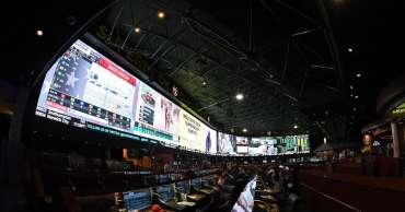 Peluang UFC Vegas 10: Garis taruhan terbaru dan panduan perjudian untuk 'Waterson vs Hill'