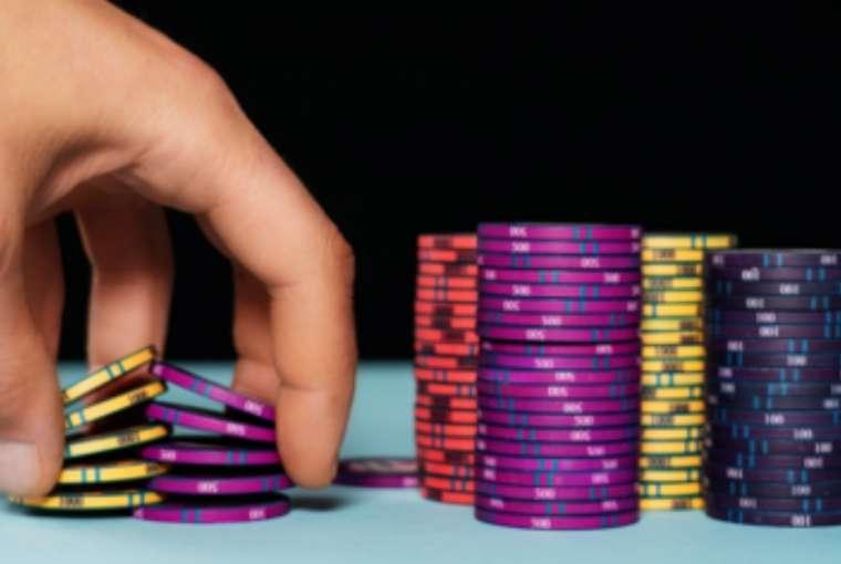 Online Gambling (Source: Pixabay)