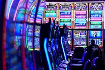 Taruhan olahraga Colorado akan diluncurkan 1 Mei dengan sebagian besar tim absen dan kasino negara ditutup - The Denver Post