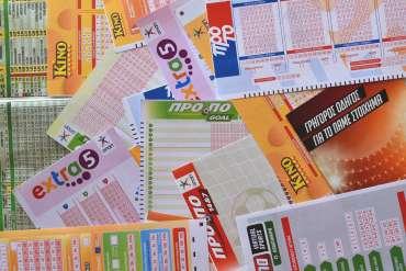 Studi menemukan goresan dan tiket lotre dapat menyebabkan masalah judi