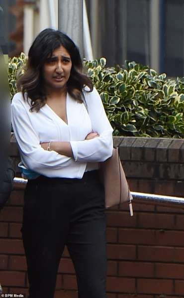 Jaspreet Marwaha (foto), dari Birmingham, sekarang menjadi asisten produser Sky Sports dan belum memberi tahu majikannya tentang keterlibatannya dalam menjual lebih dari 80 detail rekening bank kepada temannya