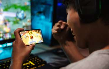 Permainan video dan perjudian terus berkembang meskipun COVID-19