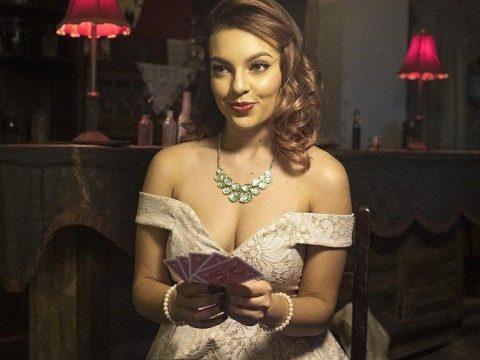 Bermain Poker, Wanita Cantik, Poker, Wanita Seksi
